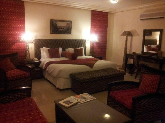 Al Nahda Resort & Spa: view of bedroom