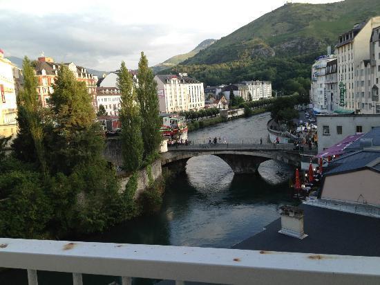 Hotel La Solitude: Dal balconcino della camera con affaccio sul Gave