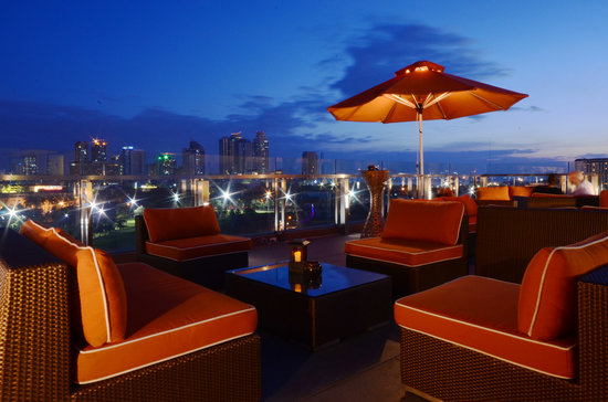 The Bayleaf Intramuros: The Sky Deck, lounge on top of The Bayleaf