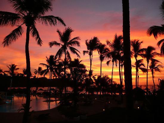 Andilana Beach Resort: tramonto vista camera (NON è ritoccata)