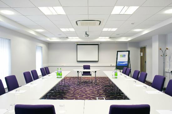 Holiday Inn Express Dunstable: Meeting Rooms start at just £75.00 per day