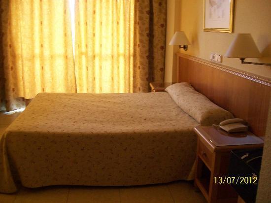 Hotel Don Paquito: la habitacion