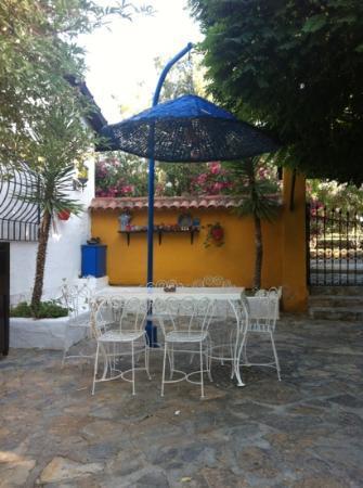 Bakkhos Guesthouse: lobi onu