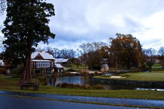 Millbrook Resort: View of the golf course and main clubhouse