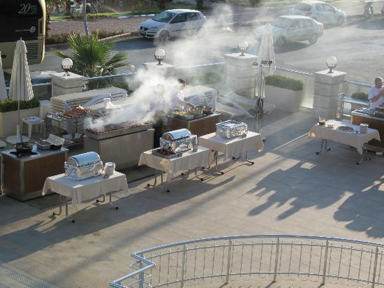 White Gold Hotel & Spa: grillades