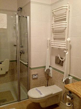 Hotel Kosciuszko: The bathroom