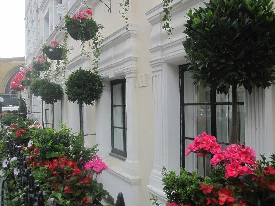 Kings Cross Inn Hotel : Hotel Facade