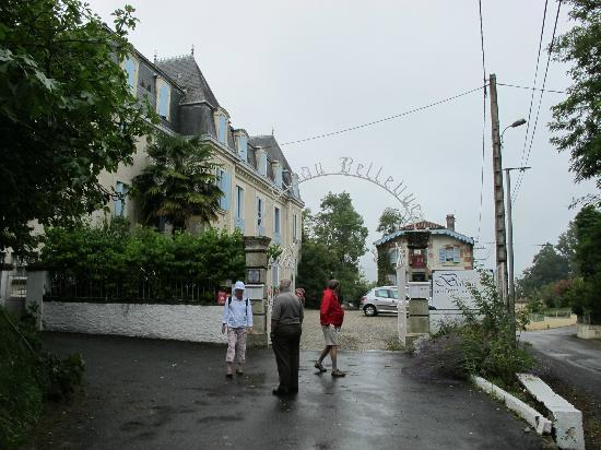 Chateau Bellevue : Hotel (Left) and Family/Staff Residence (Right)