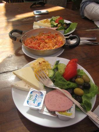 Caferaga Medresesi: Traditional breakfast and Menemen