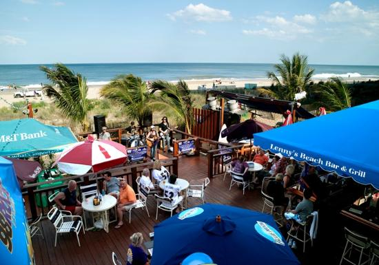 Clarion Resort Fontainebleau Hotel: Lenny's Beach Bar and Grill