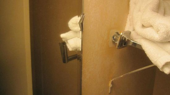 Thunderbird Motel: Towel rack falling out of the wall