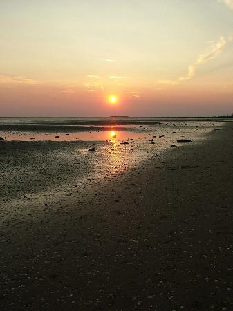 Wirral, UK: Beautiful sunset over Hilbre Island 4.