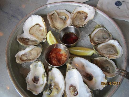 Pearlz Little Oyster Bar: Pearlz Oyster Bar
