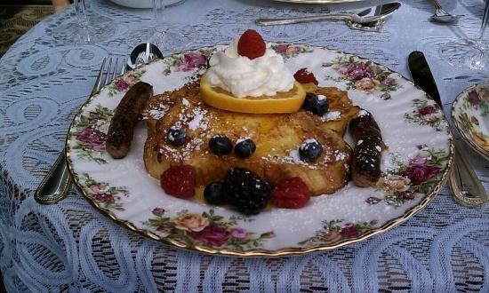 Renwick Clifton House: french toast l'orange with grand marnier and country sausage