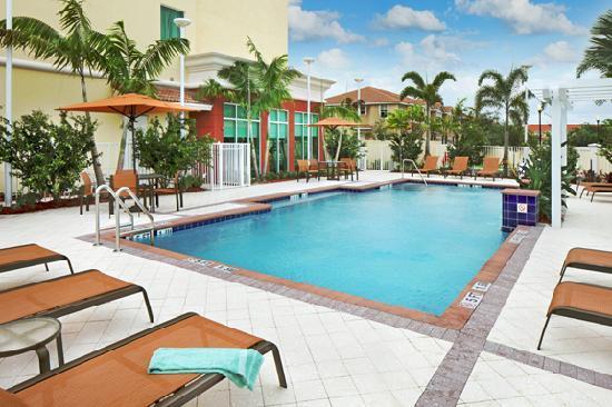 Outdoor Heated Pool - Courtyard Miami Homestead