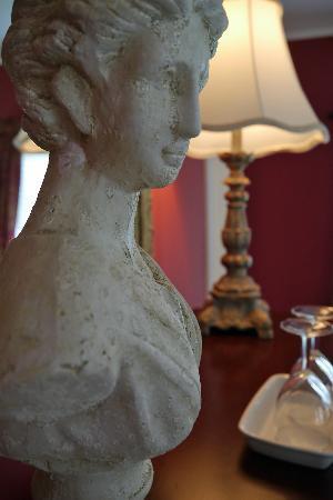Rosemont Manor : Details