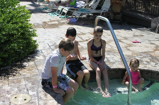 Pointe Hilton Squaw Peak Resort: Warming up in hot tub