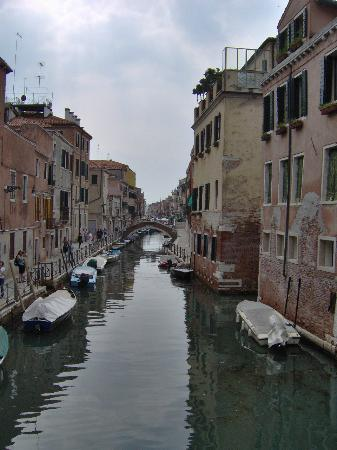 Locanda Sant'Anna : View from bridge approaching the hotel