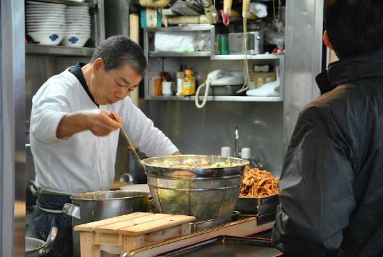 The Tsukiji Market : The best ramen in Tokyo...?
