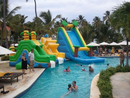 Dreams Palm Beach Punta Cana: kid's pool party