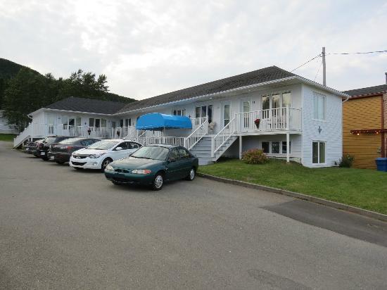 Hotel Motel Fleur de Lys: La chambre # 20 est située dans ce bâtiment.