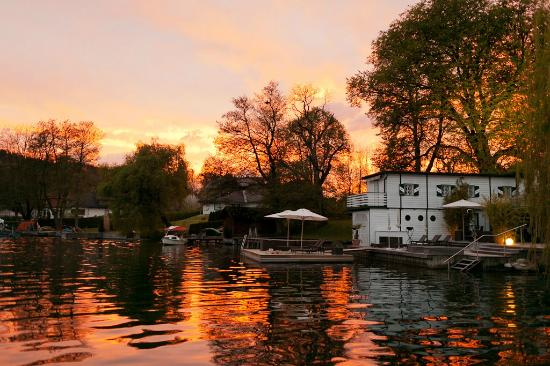 KOLLER's Hotel: depandace sul lago