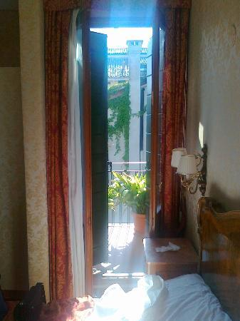 Bel Sito e Berlino: Door to the balcony