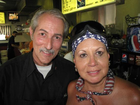 Sid's Diner: Marty took time to take a picture with his onion burger fan!