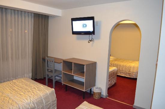 Pacha Hotel Museo: Cuadruple beds room