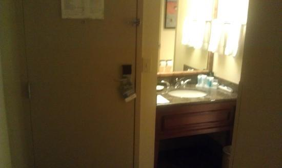 Holiday Inn Tampa Westshore: Bathroom