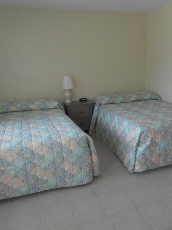 Rus Mar Motel : Our B rooms have two double beds and sleep 4 comfortably
