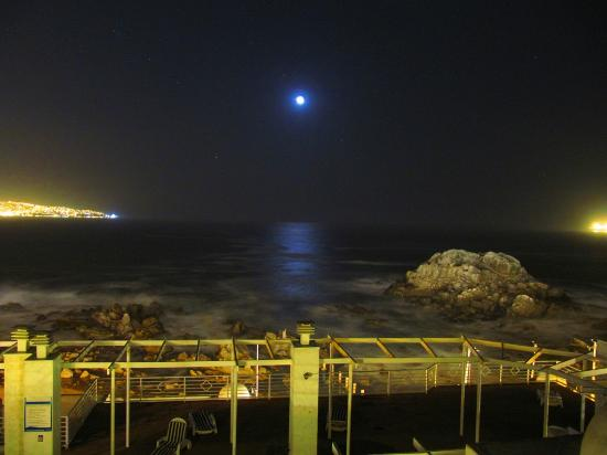 Neruda Mar Suite: Vista nocturna