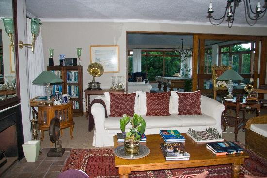 Wilderness Manor Guest House: Common Rooms