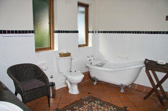 Wilderness Manor Guest House: Bathroom Room #4