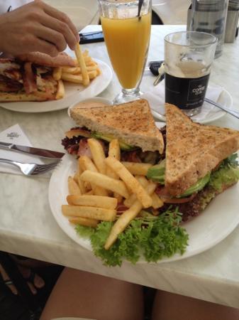 The Coffee Club: big serving!