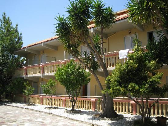 Lorenzo Hotel: Front balconies