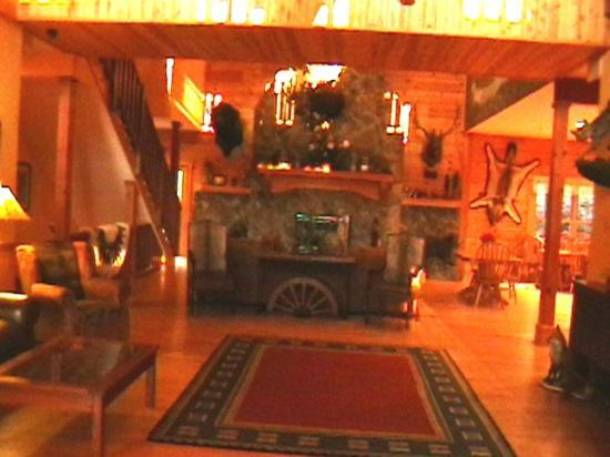 House Mountain Inn: View from front entrance.