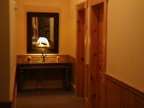 House Mountain Inn: Hallway - 2nd floor far left end. (Closest door is for Housekeeping supplies.)