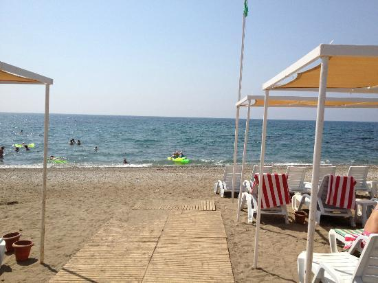 Eftalia Aqua Resort: The beach.......lovely to chill out