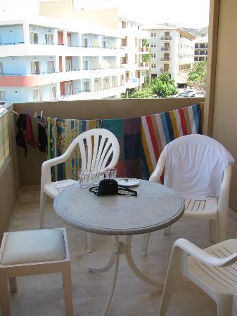 Aloe Apartments & Studios: Larger balcony