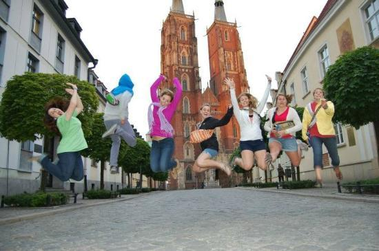 What's Up Wroclaw: Cathedral Island jumping shot!