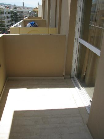 Aloe Apartments & Studios: Smaller balcony