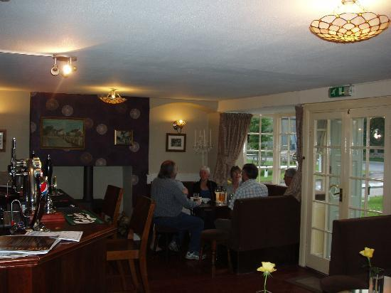 The Star Inn : front bar with log burner