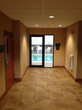 Hampton Inn & Suites Jamestown: pools