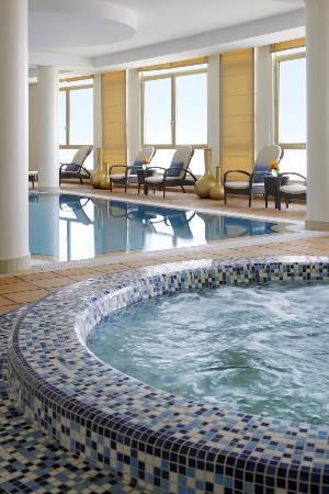 Marriott Executive Apartments Riyadh, Makarim: Jacuzzi Pool