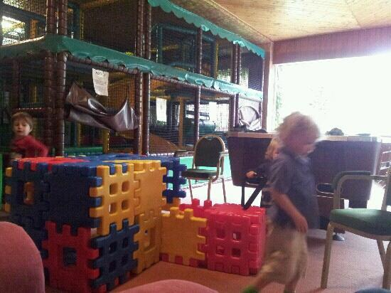 Old Park Hotel: lovely clean soft play area