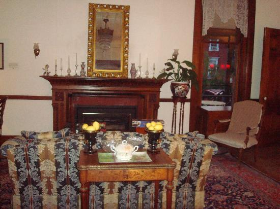 The William Henry Miller Inn: sitting room