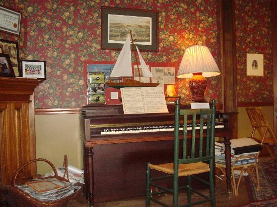 The William Henry Miller Inn: parlor room