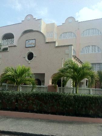 Sunbay Hotel: Outside Hotel