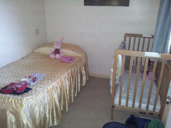 Old Park Hotel: kids room